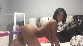 Porno cu femei futute tare fututa de masinarii de futut femei