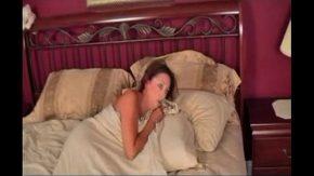 Gagica de 45 de ani muita in gura cand doarme