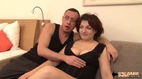 O romanca frumoasa face sex cu un polonez dorit de pizda