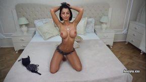 Pachet filme porno cu romance amatoare in calduri ce baga degetele in pizda