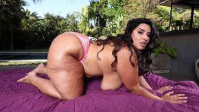Filme porno cu o grasa la tersa de langa picina