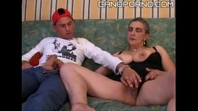 Son fucks her mom – incesto porno italiano
