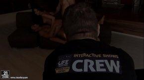 Filme porno cu pustoaice ce se fut noaptea cu cate doi barbati