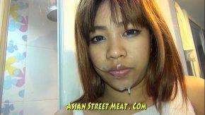 Curva chinezoaica e luata dupa strada cu japca si dusa la hotel si fututa de un amator futacios