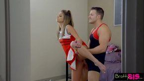 Porn cu doua balerine dragute futute puternic in fund