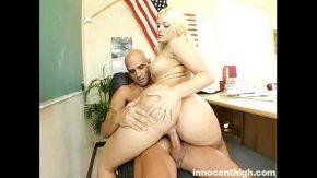 Actrite romance filme porno blonda fututa in mare fel in birou