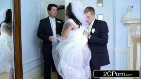 Xxx pule in pizda unei mirese fututa in ziua nunti