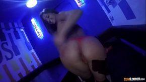 Porno in club cu o dansatoare fututa de un cameraman