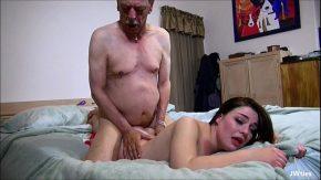 Povestiri verisoara fututa in somn porno batranel fute nepoata