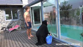 Sex cu araboaica ce suge pula in piscina 2018