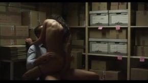 Sex in pizda sefei cu un angajat ce se ascunde cu ea sa nu fie vazut