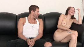 Femeia draguta vrea doar sex in pasarica