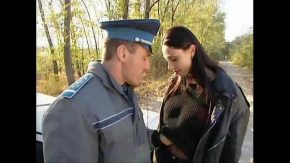 Futai romania camera ascunsa filmati cum doi agenti fut o bruneta