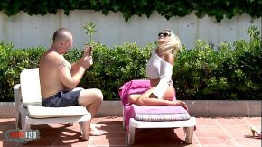 Perfect ass milf gets blonda piti face poze si se fute la piscina