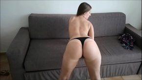 Videoclipuri porno cur frumos bruneta prezentabila