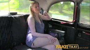 Film porno hd 2017 blonda fututa in pizda de catre un taximetrist