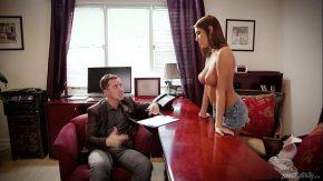 Film cu sex anal cu un cuplu de romani sex la birou cu bunaciuni