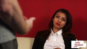 Sex cu o bruneta corpolenta la casting porno da proba de rezistenta